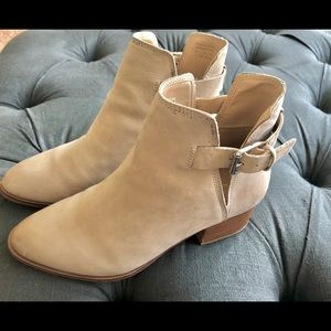 ALDO tan leather ankle boots - with tags